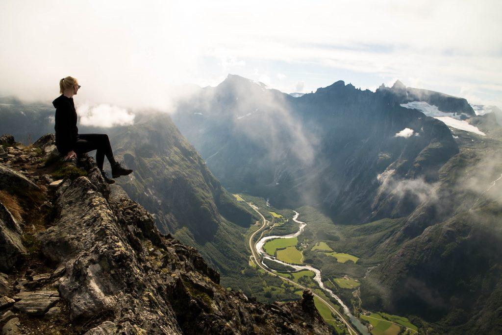 Uitzicht over de Rauma vanaf Romsdalseggen