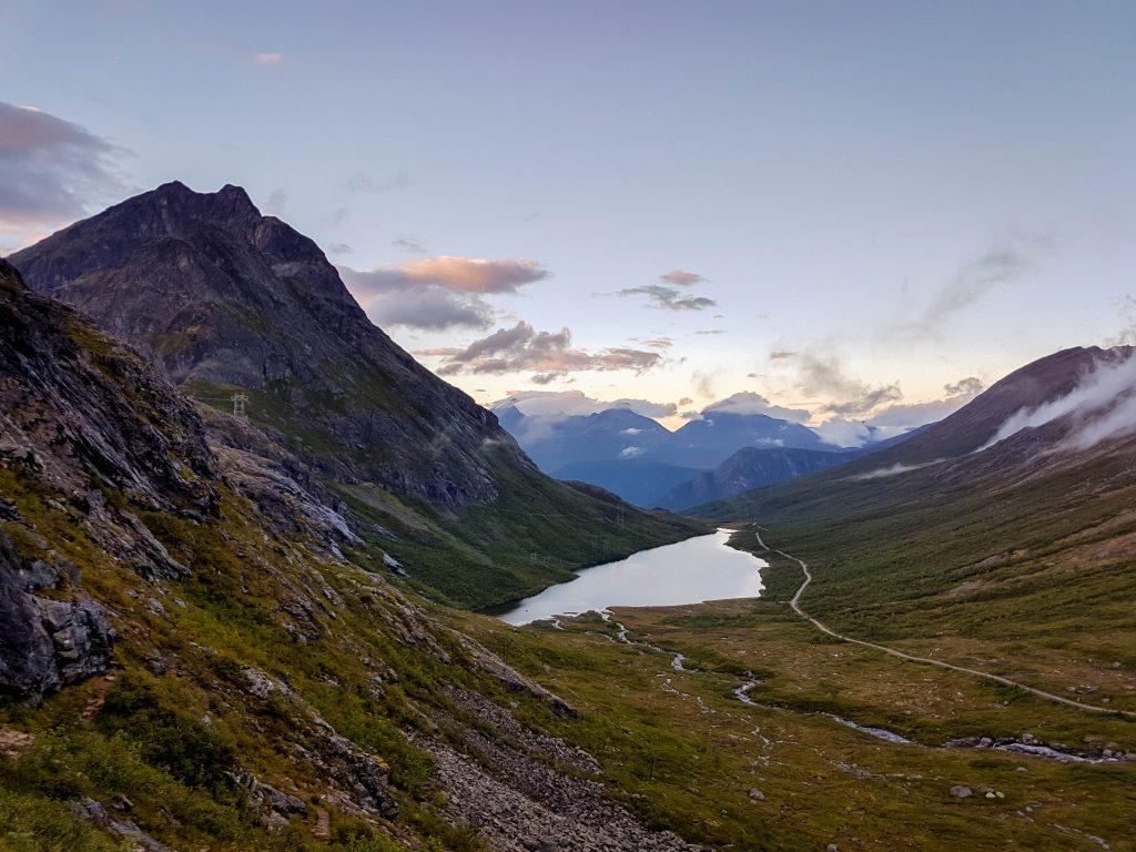 Uitzicht over Vengedalen onderweg naar Litlefjellet