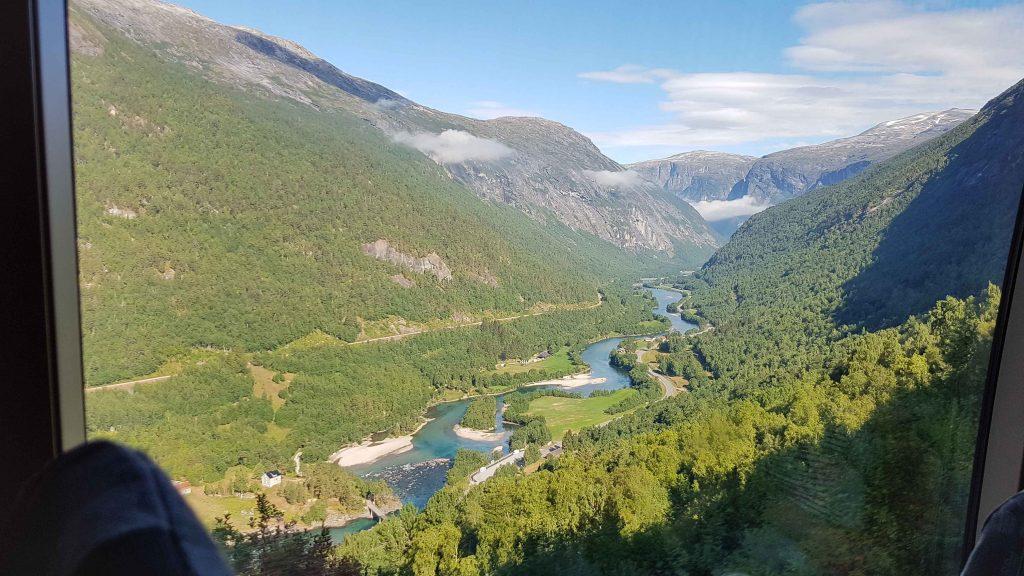 Raumabanen - uitzicht over de Rauma
