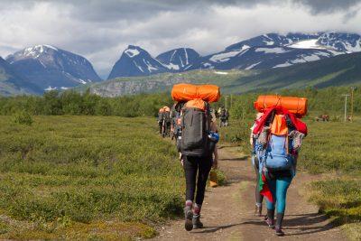 Wandelen tijdens de Fjallraven classic in Fjallraven trekking tights