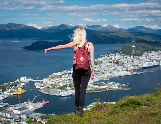 Uitzicht over Ålesund vanaf Sukkertoppen
