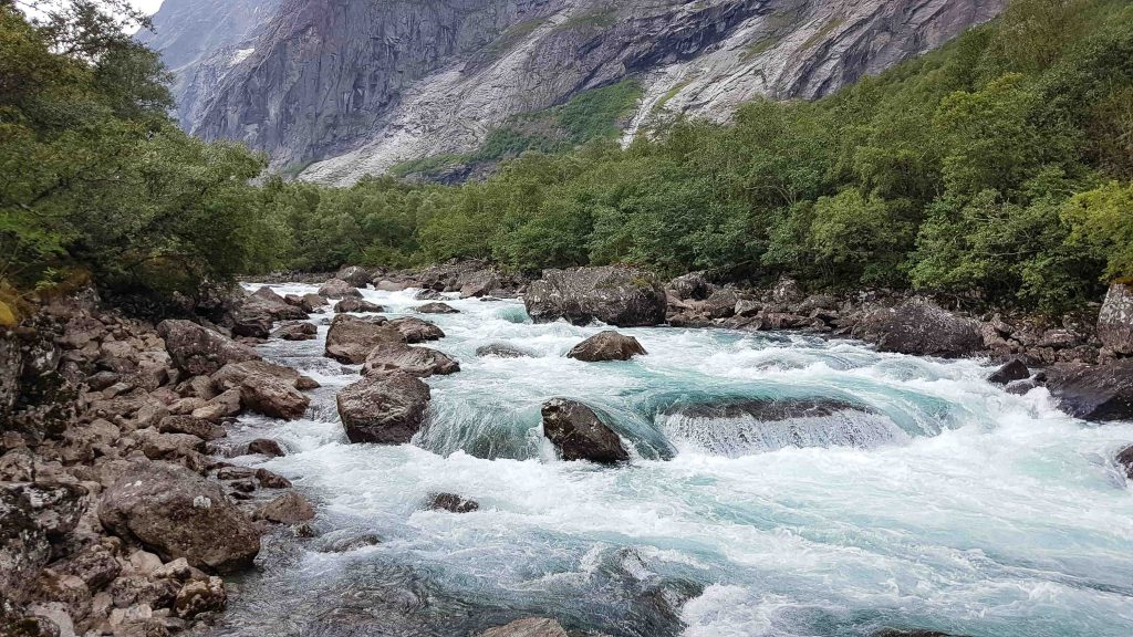 Een van de vele stroomversnellingen van de Rauma rivier