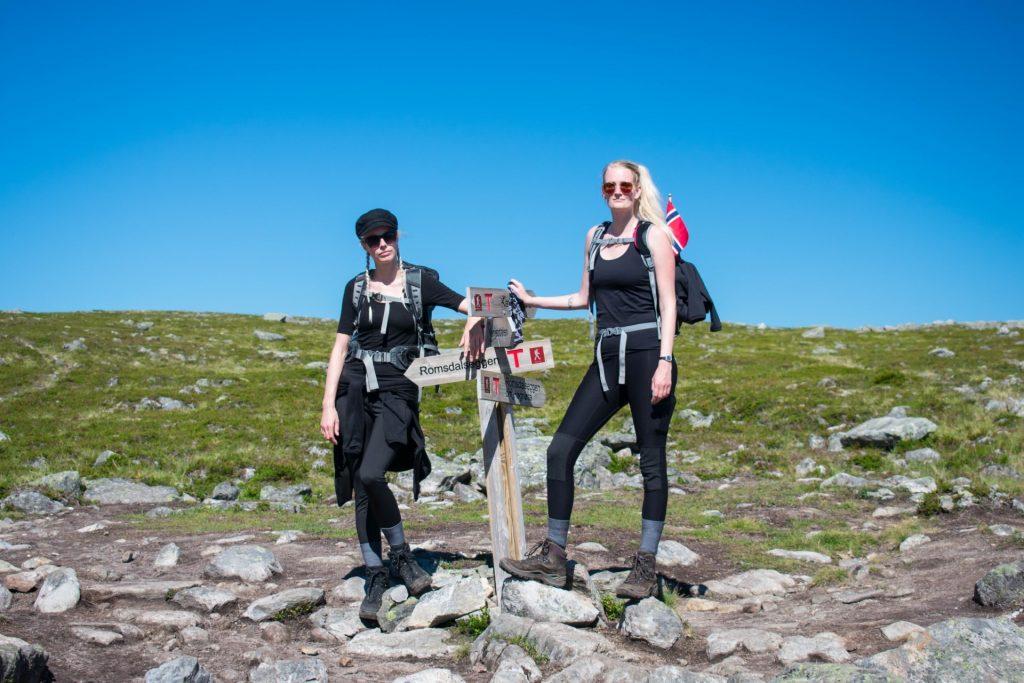 Wandelen naar Romsdalseggen in Noorwegen