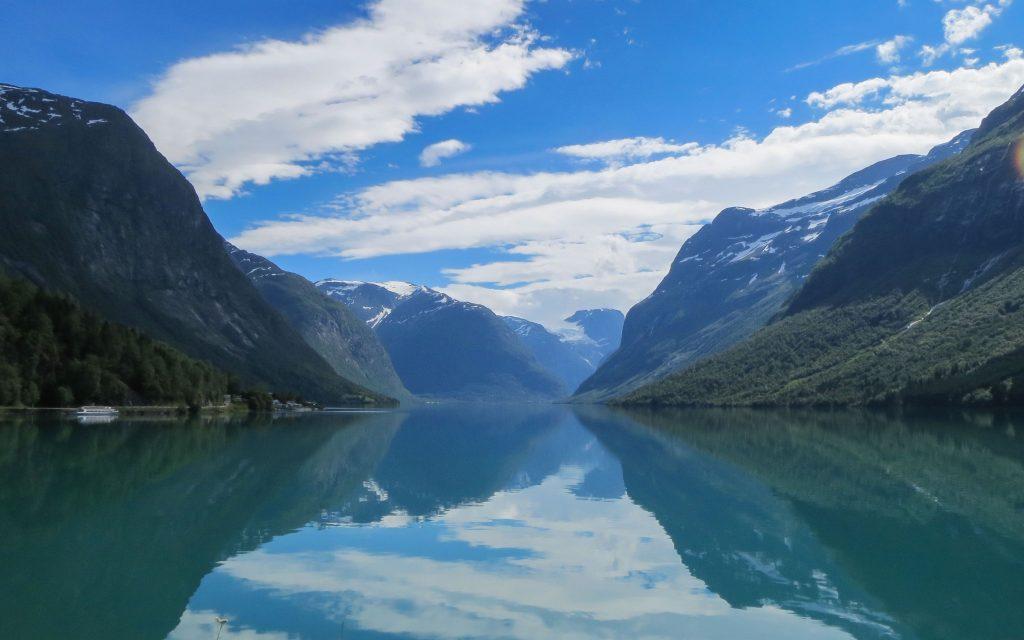 Roadtrippen in fjord-Noorwegen: Lovatnet