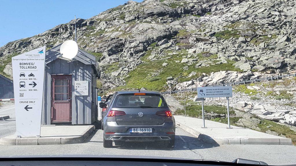 Het tolpoortje naar Dalsnibba