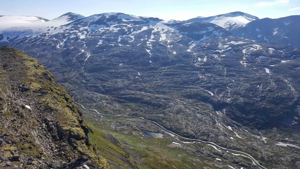 Uitzicht over de bergen vanaf Dalsnibba